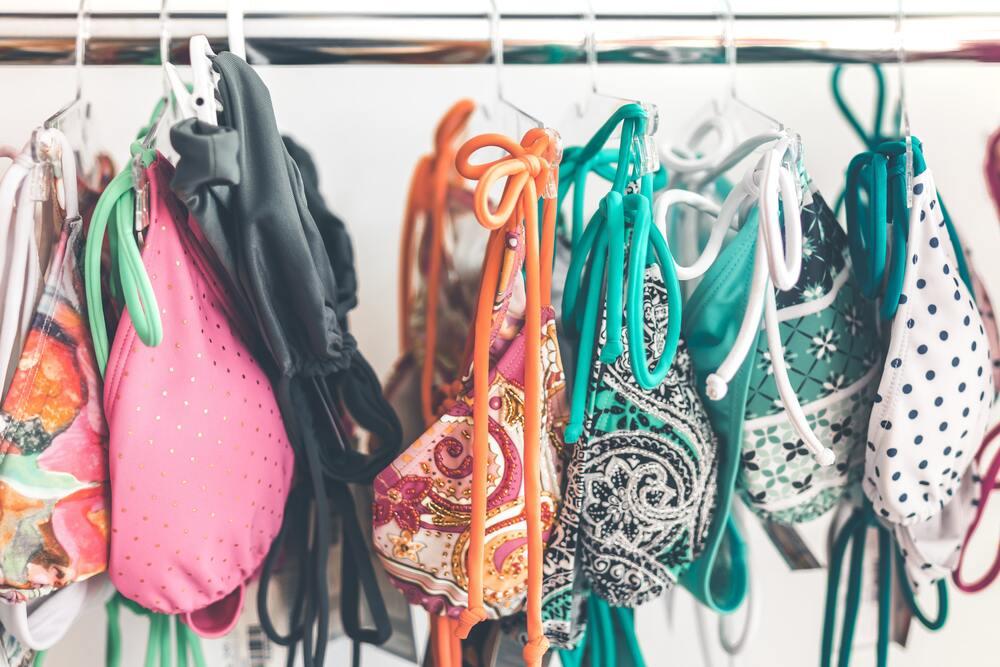 Come scegliere il costume da bagno perfetto per il tuo corpo